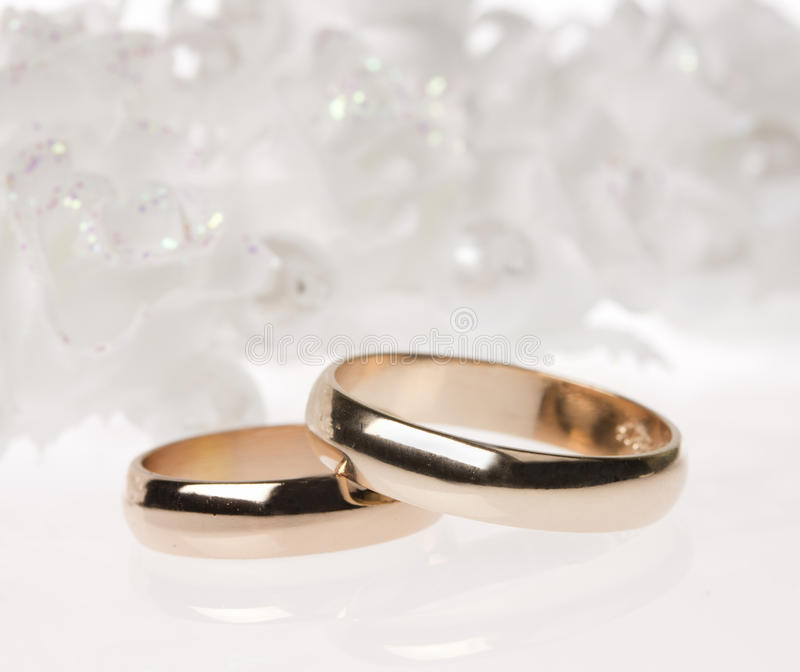 Download Weddings Accessorie And Rings Royalty Free Stock Images - Image: 21230159