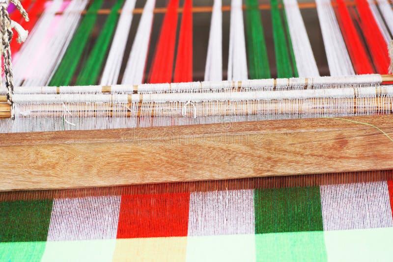 Weefgetouw het weven in Thailand royalty-vrije stock foto