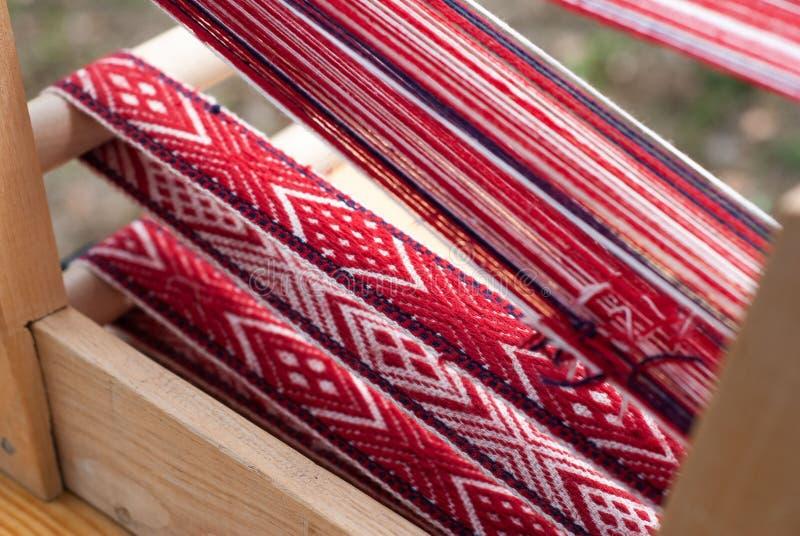 Weefgetouw, traditionele ambachten, Slavisch patroon, stock afbeeldingen