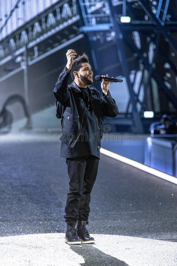 Weeknd выполняет во время модного парада секрета ` s Виктории стоковое фото rf