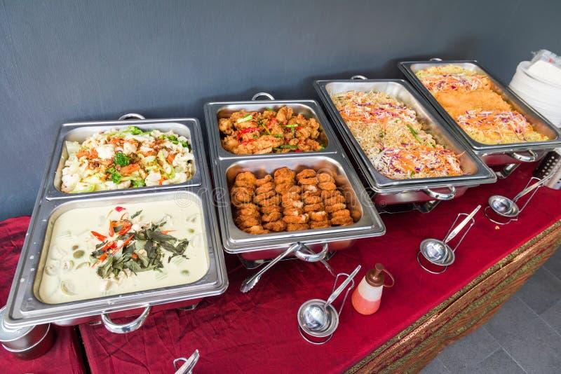 Weelderig uitgespreid buffet stock afbeelding