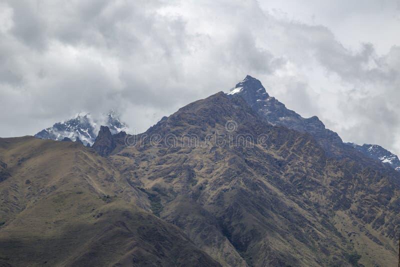 Weergave van de Andes-bergketen en de sneeuw La Veronica in Cusco-PERU stock foto's