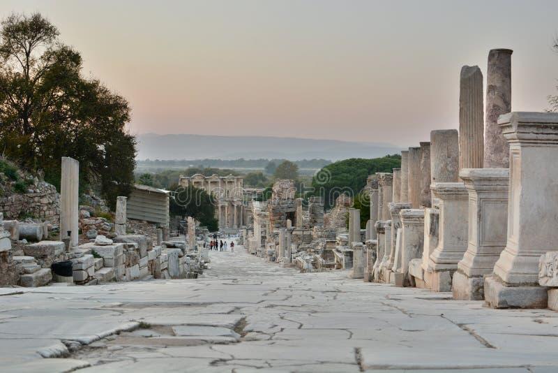 Weergave van de Ephesus-site bij de schemering Selcuk provincie Izmir Turkije royalty-vrije stock foto