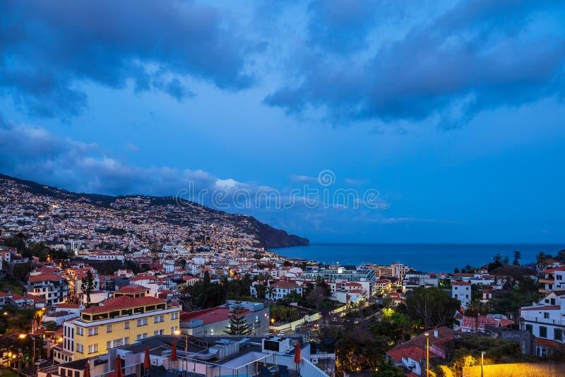 Weergeven aan de stad Funchal op het eiland Madera, Portugal royalty-vrije stock afbeeldingen