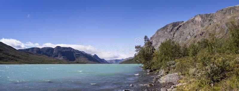 Weergeven aan het Meer Gjende, Noorwegen stock fotografie