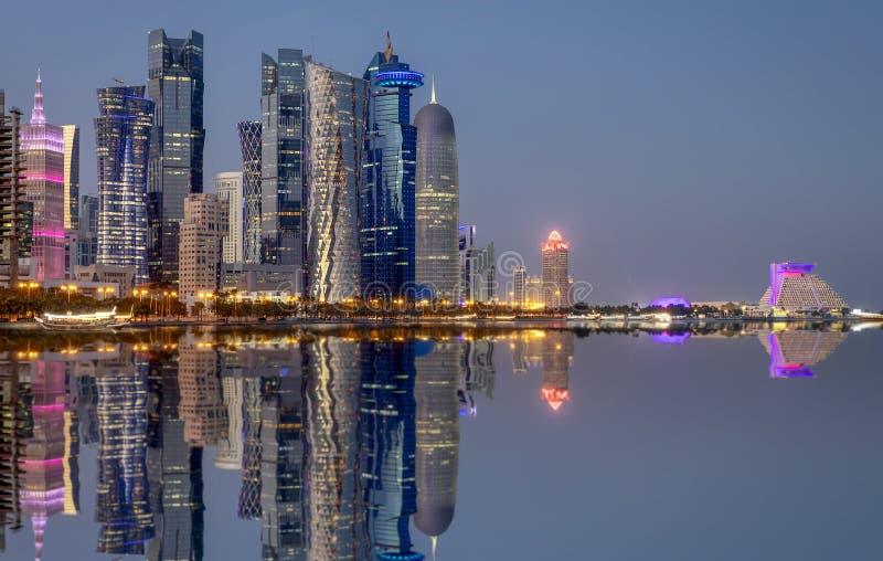 Weergeven aan het Stadscentrum van Doha, het Westenbaai, Qatar royalty-vrije stock foto's