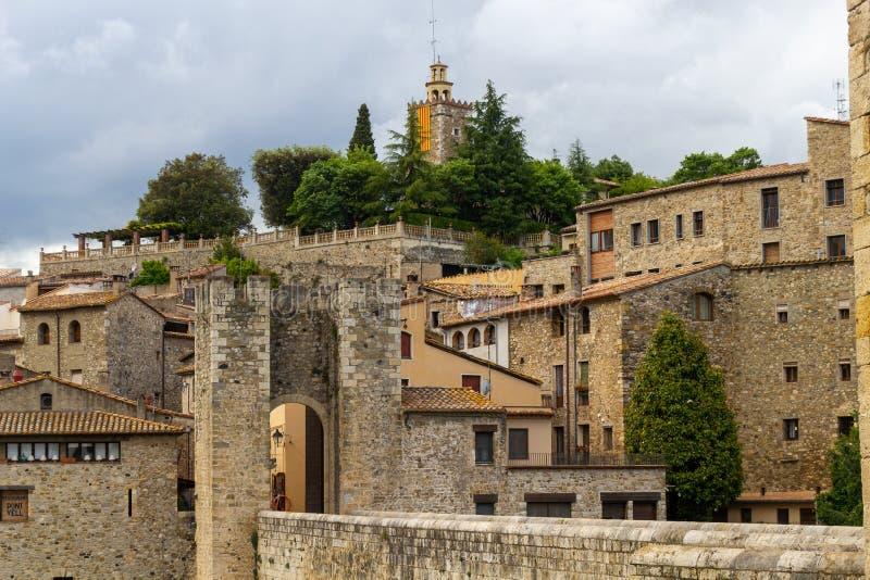 Weergeven aan toren Besalú royalty-vrije stock fotografie