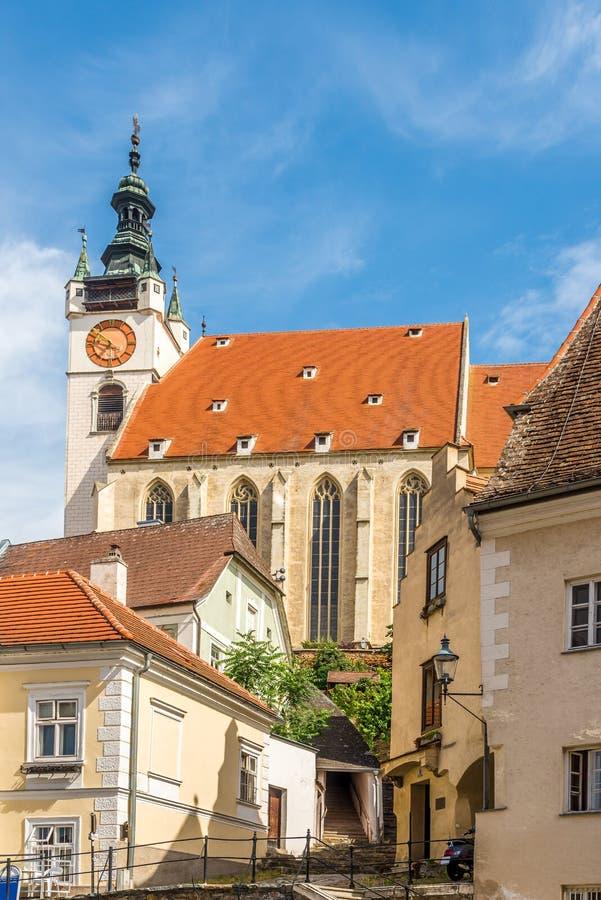 Weergeven bij de Piarist-kerk in Krems een der Donau - Oostenrijk stock foto's