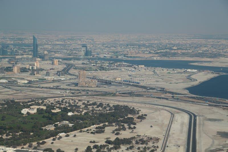 Weergeven op Arabische Emiraten de van de binnenstad, Verenigde van Doubai stock afbeeldingen