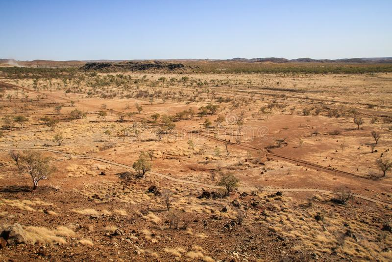 Weergeven op de woestijn van de Fossiele Plaats van Riversleigh, Savannah Way, Queensland, Australië stock fotografie
