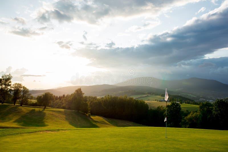 Weergeven op golfgebied in bergen royalty-vrije stock fotografie