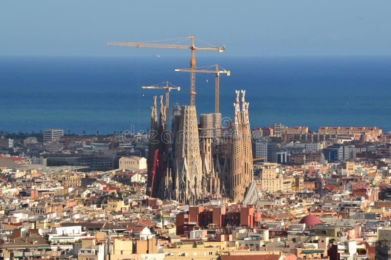 Weergeven op Sagrada Familia - aan de gang zijnde bouw in Barcelona stock fotografie