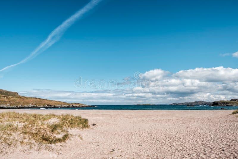 Weergeven over Clashnessie-Baai in hooglanden van Schotland royalty-vrije stock afbeelding