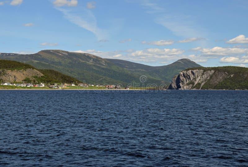 Weergeven over de Bonne-Baai naar Norris Point stock fotografie