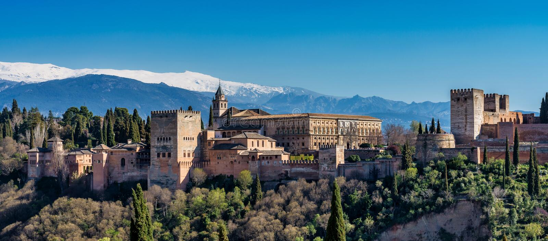 Weergeven van Alhambra Palace in Granada, Spanje in Europa royalty-vrije stock fotografie