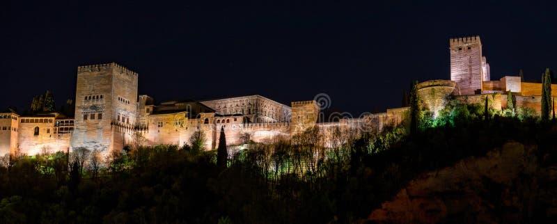 Weergeven van Alhambra Palace in Granada, Spanje in Europa stock afbeeldingen