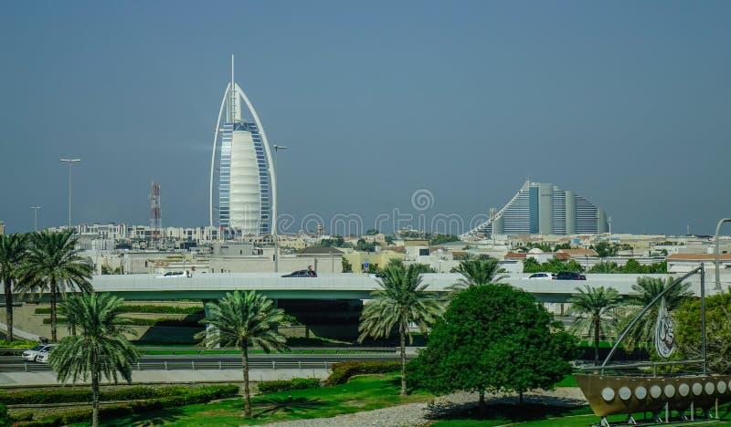 Weergeven van Burj Al Arab Hotel in Doubai royalty-vrije stock foto's