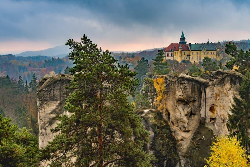 Weergeven van cesky raj - Tsjechisch of Boheems paradijs - Bohemen - Tsjechische republiek royalty-vrije stock fotografie