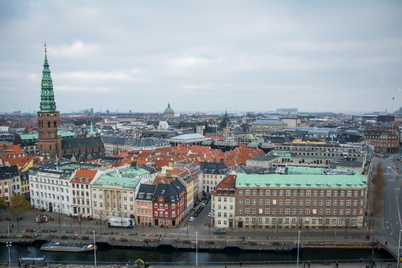 Weergeven van Christiansborg-toren kopenhagen denemarken royalty-vrije stock foto