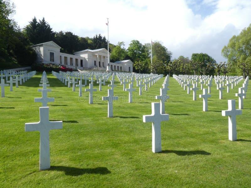 Weergeven van de Amerikaanse Begraafplaats en het Gedenkteken van Suresnes, Frankrijk, Europa stock afbeelding