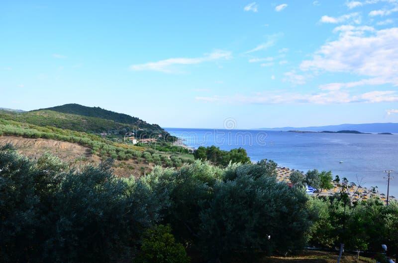 Weergeven van de baai in Halkidiki Griekenland stock foto's