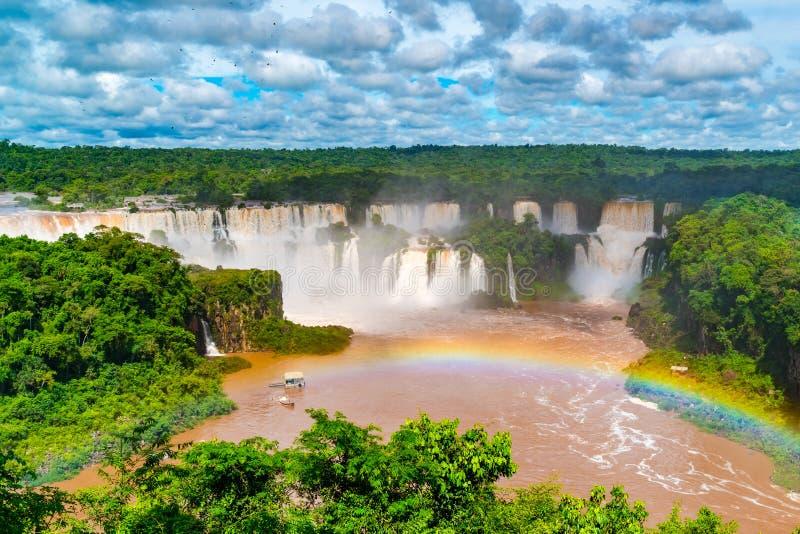 Weergeven van de beroemde Iguazu-dalingen van het Nationale Park Argentinië van Iguazu royalty-vrije stock foto's