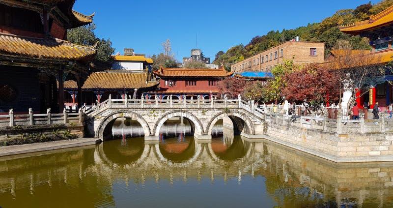 Weergeven van de Boeddhistische Tempel van Yuantong in Kunming, Yunnan, China stock afbeeldingen