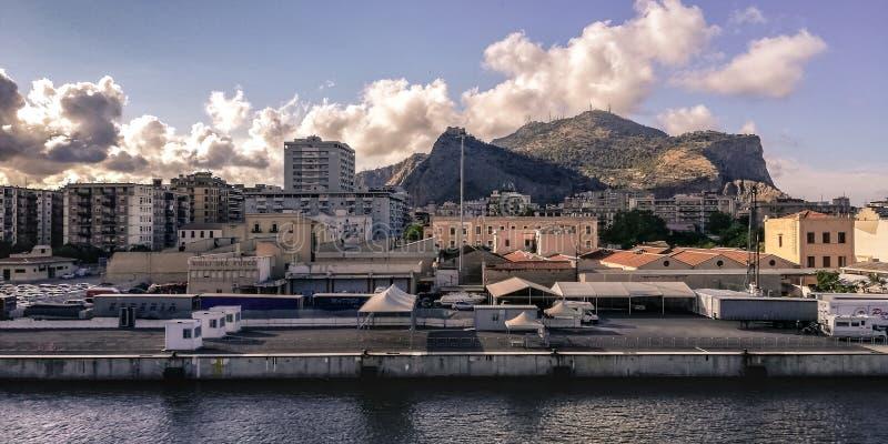Weergeven van de Haven van Palermo stock foto