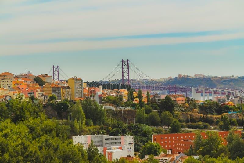 Weergeven van de het westenkant van Lissabon royalty-vrije stock afbeeldingen