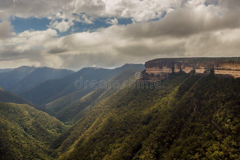 Weergeven van de Kanangra-Muren, kanangra-Boyd Nationaal Park, Australië stock afbeeldingen