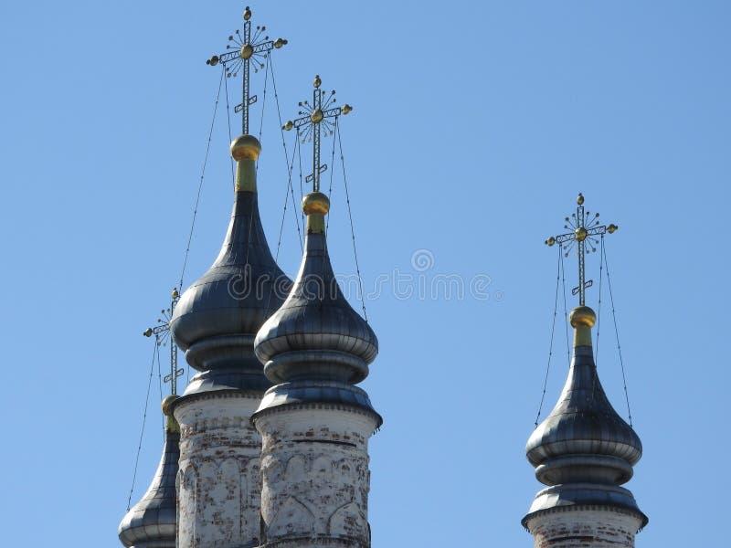 Weergeven van de Kathedraal van de Veronderstelling van Heilige Maagdelijke Mary in Goritsky-Veronderstellingsklooster in peresla stock afbeelding
