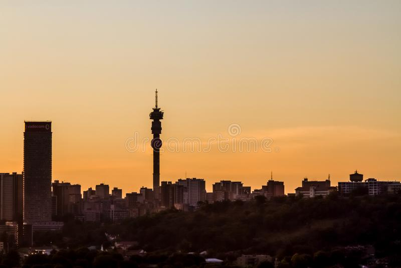 Weergeven van de Stad van Johannesburg bij Zonsondergang royalty-vrije stock foto