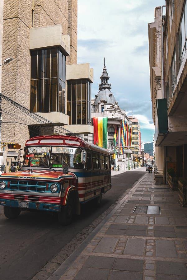 Weergeven van de straat Ayacucho in La Paz, Bolivië stock afbeeldingen