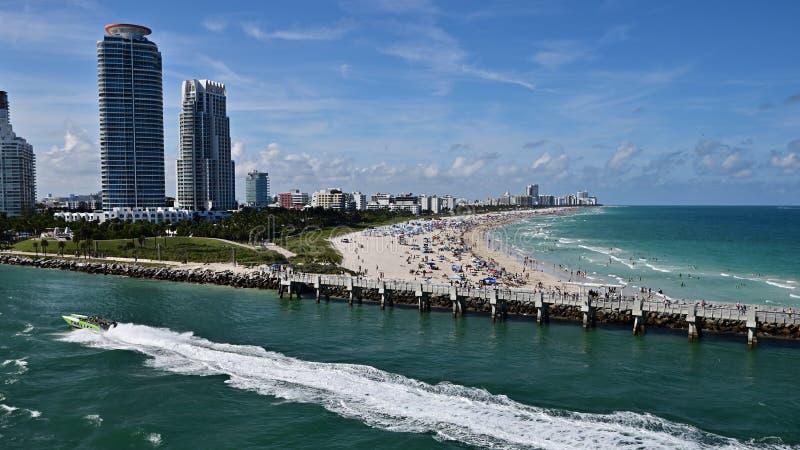 Weergeven van de stranden van ??n Miami stock afbeeldingen