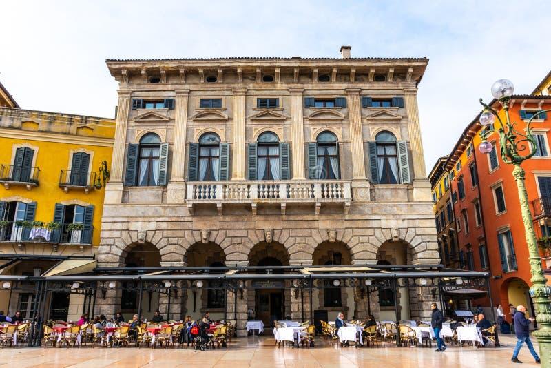 Weergeven van de straten van de binnenstad in Verona royalty-vrije stock fotografie