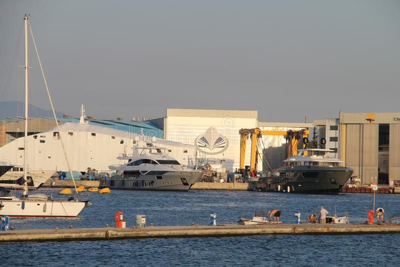 Weergeven van de zeehaven in Viareggio stock afbeeldingen