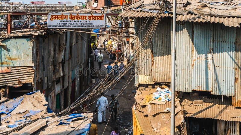Weergeven van dharavi de grote krottenwijk in de stad van Bombay royalty-vrije stock fotografie