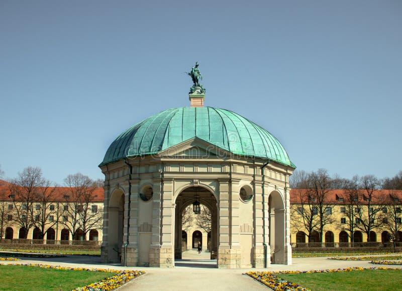 Weergeven van Diana-tempel in Hofgarten, München royalty-vrije stock afbeeldingen