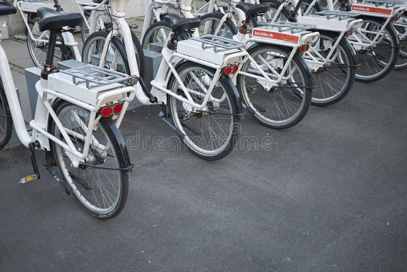 Weergeven van een fietsparkeren stock fotografie