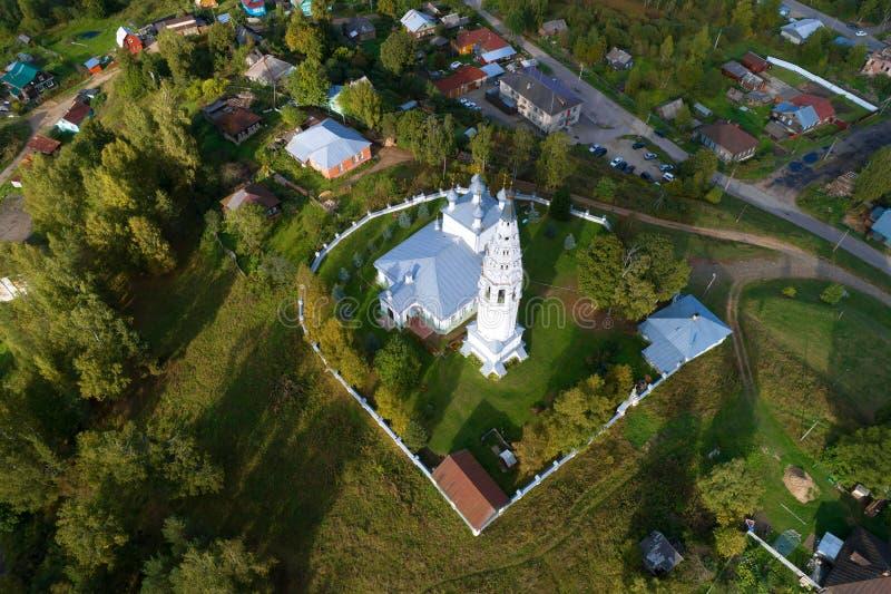 Weergeven van een grote hoogte op de Transfiguratie van het luchtonderzoek van de Verlosserkathedraal Sudislavl, Russi stock foto's
