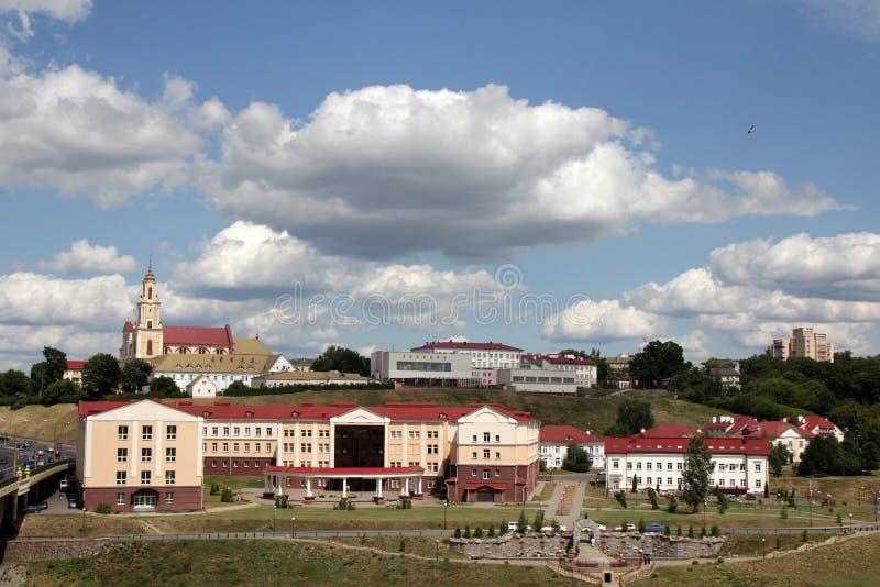 Weergeven van het historische deel van de stad van Grodno stock foto's