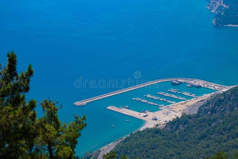Weergeven van het observatiedek TÃ ¼ nektepe Teleferik Tesisleri in Antalya, Turkije stock afbeeldingen