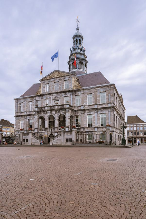 Weergeven van het stadhuis van Maastricht royalty-vrije stock foto's