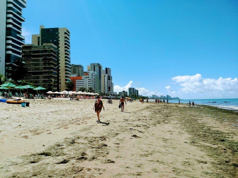 Weergeven van het strand van Pieade stock foto's