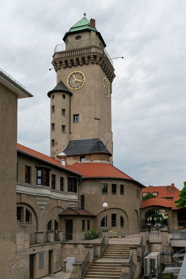 Weergeven van historische Kasino-toren in Berlin Frohnau stock afbeeldingen