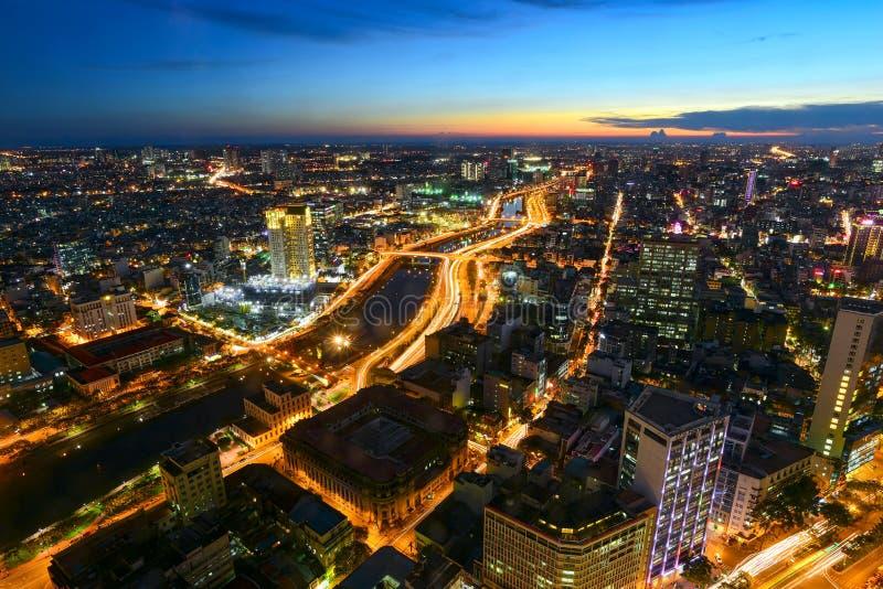 Weergeven van Ho Chi Minh-stad vanaf bovenkant van de financiële toren van Bitexco stock foto's