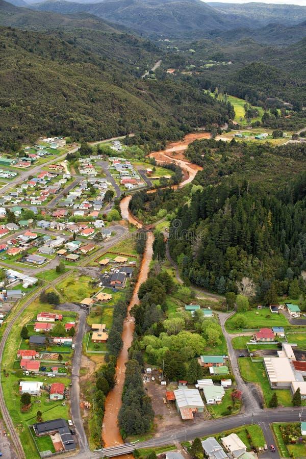 Weergeven van huizen en gebouwen Queenstown Tasmanige royalty-vrije stock afbeeldingen