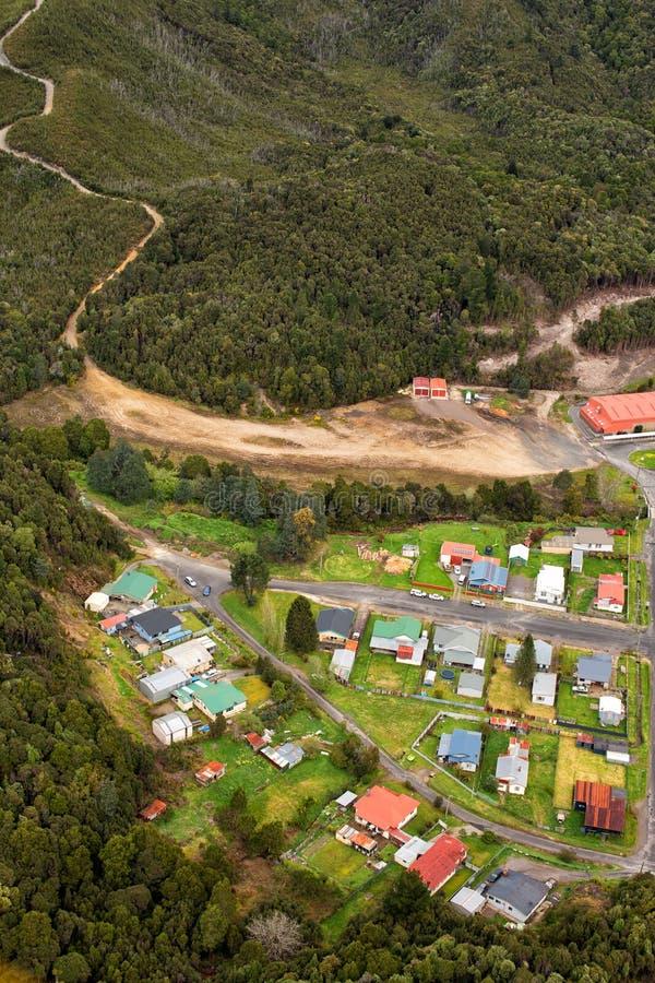Weergeven van huizen en gebouwen Queenstown Tasmanige stock afbeeldingen