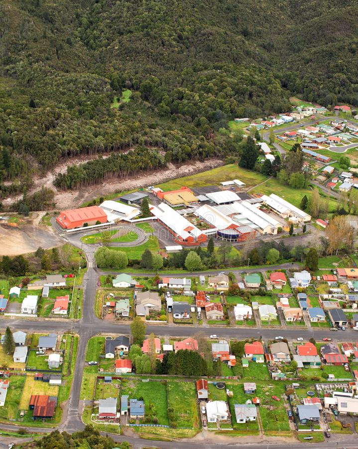Weergeven van huizen en gebouwen Queenstown Tasmanige royalty-vrije stock fotografie