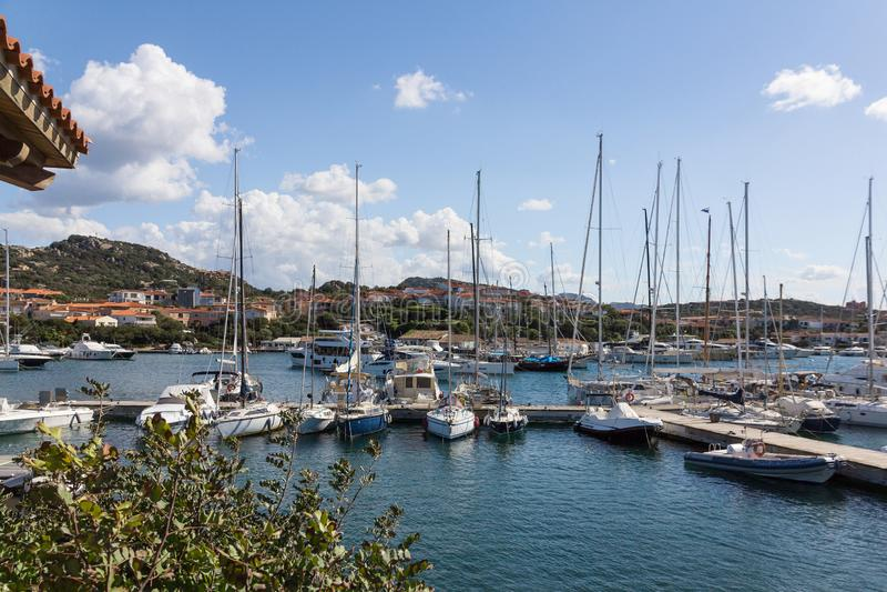 Weergeven van jachthaven in Porto Rotondo, Sardinige, Italië stock fotografie
